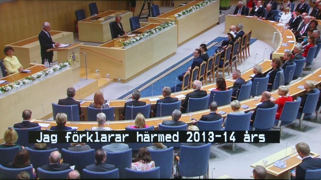 """SVT """"bränner"""" vanligtvis in undertexterna i videosignalen, men har även svensktextning för hörselskadade som dold text via text-tv på sidan 199 (SVT1 HD) och sidan 299 (SVT2 HD). DT-800T2 klarar både text tv, och den dolda textningen för hörselskadade. Bra att ha när ljudet stör eller när du inte riktigt hör."""