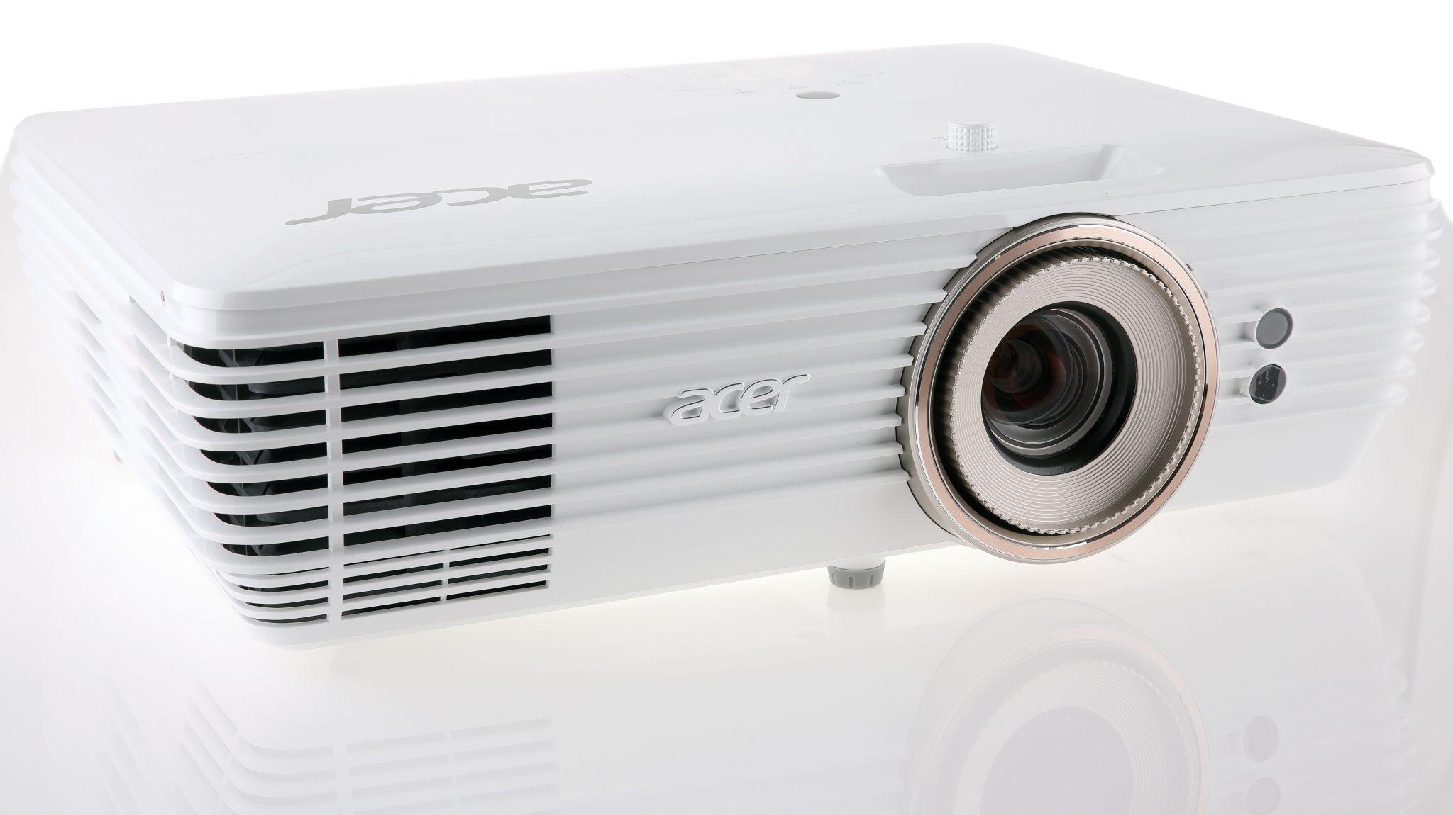 Lækker Imponerande UHD-projektor till överkomligt pris – Acer V7850 QN-31