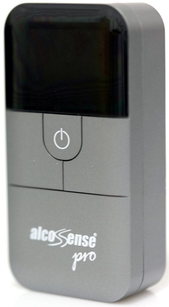 AlcoSense Pro är en smart alkoholmätare med databas för europeiska, amerikanska och australiska lagstadgade promillegränser.