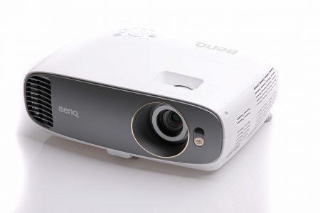 Benq W1700 är en enkel och billig hemmabioprojektor med UHD-upplösning som optimerats för film.