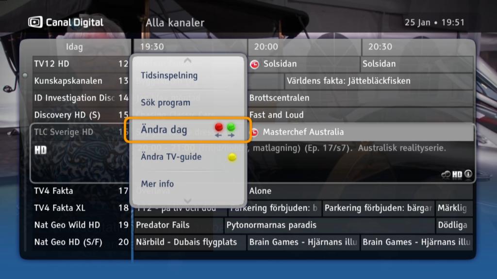 Programguiden ger en bra översikt över kanaler och program. Du kan lätt växla dag och ändra visning med fjärrens färgade knappar.