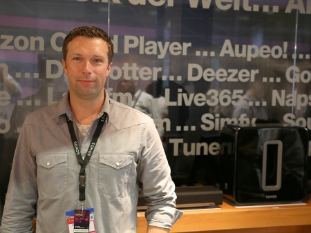 Fiede Schillmoeller, pr och marknadschef för Sonos i Holland