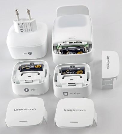 Gigasets olika sensorer - Siren, röresleavkännare, dörrsensor och fönstersensor.