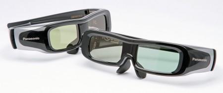 Panasonic skickar med två par 3D-glasögon.