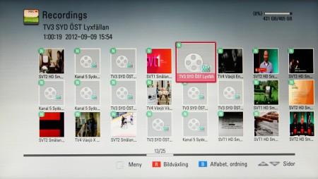 Inspelade teveprogram samlas i inspelningslistan och kan både spelas upp, kopieras och flyttas. Men det är bara de fria kanalernas okrypterade program som kan spelas upp utanför LG HR925N.