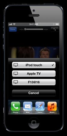 I en I-pryl som en iPod, iPhone eller iPad är Airplay-symbolen på plats i de appar som kan ha nytta av tjänsten. Ett klick på symbolen ger en lista med möjliga uppspelningsenheter och den du väljer tar över visningen.