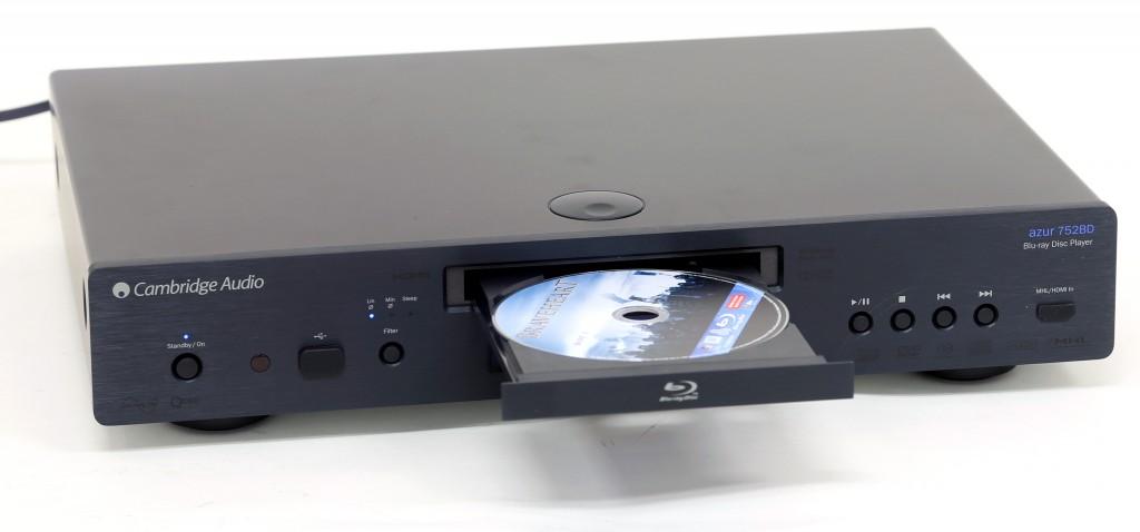 Azur 752BD är en smart Blu-ray-spelare från Cambridge Audio som även kan agera mediespelare och ta emot strömmande medier via DLNA.