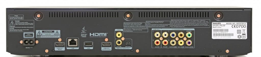 Philips BDP9700 har dubbla hdmi-utgångar och rejält med digitala och analoga anslutningsmöjligheter för ljud.