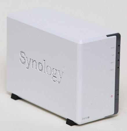 Skönheten kommer från insidan - Synology Diskstation DS212j med dubbla usb som klarar både delad skrivare och extra delat usb-minne samtidigt.