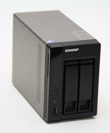 Qnap TS-269L gör verkligen skäl för tillägget TurboNAS. Och med fyra usb varav två är usb 3.0, dubbla Ethernet och hdmi skulle TS-269L kunna vara en bättre mediedator, och frågan är om den inte kan bli det i framtiden.