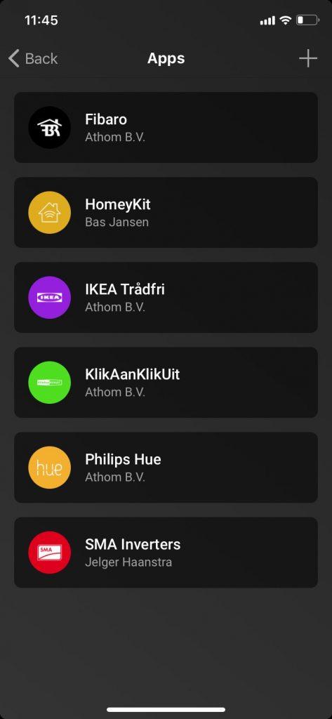 Appar i appen kallas för Apps och betyder egentligen ett nedladdat paket med drivrutiner och egenskaper för en hel familj tillbehör som till exempel Fibaros Z-Wave-produkter, IKEA:s Trådfri-sortiment eller KlikAanKlikUits 433-MHz-enheter som ofta även fungerar med Telldus och Nexas 433 MHz-enheter.