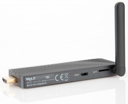 På baksidan finns även en microSD-kortläsare (TF - TransFlash) och en extra microUSB-port. Behöver du ansluta flera samtidiga usb-enheter, som till exempel mus, tangnetbord och usb-diskar kan du även ansluta en usb-hubb till usb-porten på framsidan.