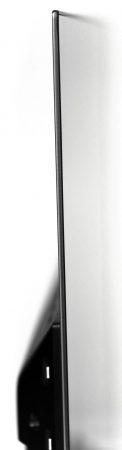 Tunn, tunnare tunnast? Philips OLED803 är bara 4 mm tunn i överdelen och ramen runt rutan är endast 6 mm tunn.