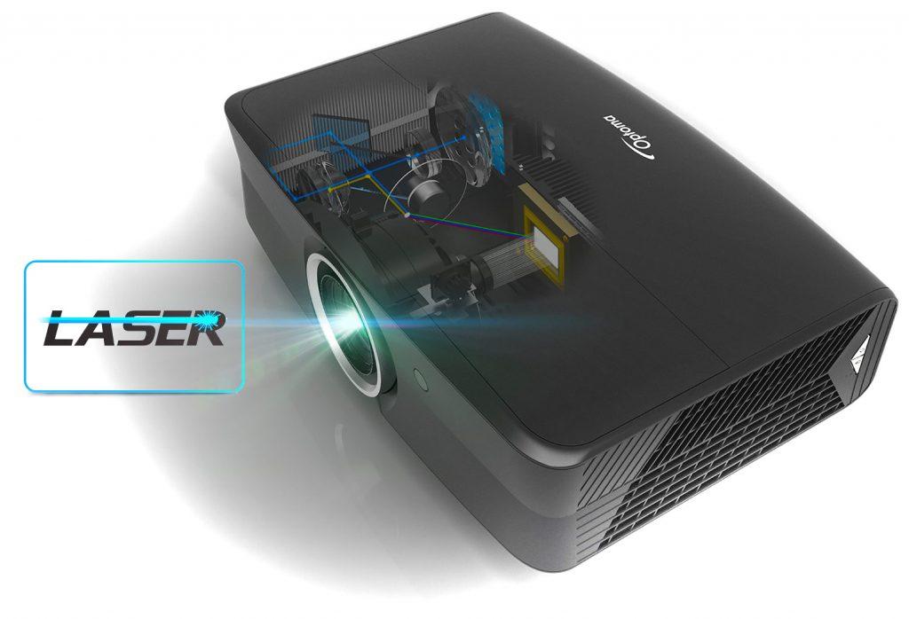 Inuti UHZ65 ersätter ett laserverk den traditionella lampan vilket både ger fler driftstimmar, mindre variationer över tid och möjlighet till högre ljusstyrka.