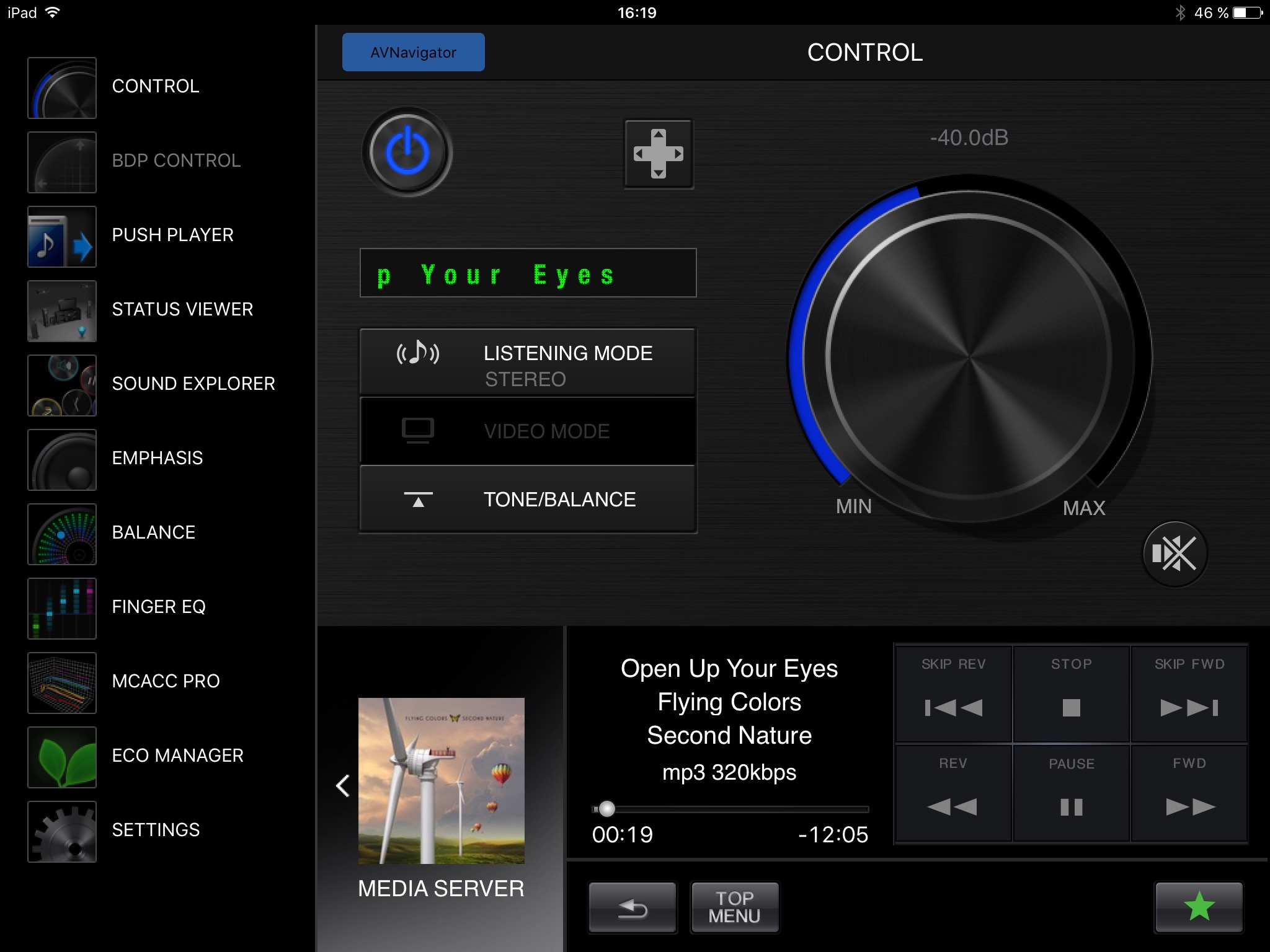 I appens kontrollpanel kan du fjärrstyra allt och även spela upp strömmande underhållning direkt från andra medieenheter. Om du ställer receivern i Media Server-läge kan du även strömma film och musik direkt till den från din mobiltelefon.