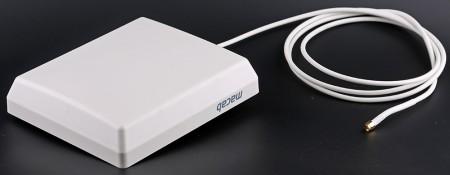 Pro-1000 är en platt panelantenn som inte behöver riktas, kan användas inomhus och utomhus och ger en förstärkning på 6-8 dBi.