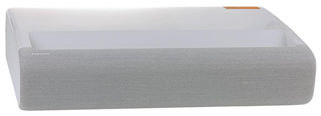 Framsidan på Samsung LSP9T är täckt med ett 4.2-kanalers högtalarsystem.