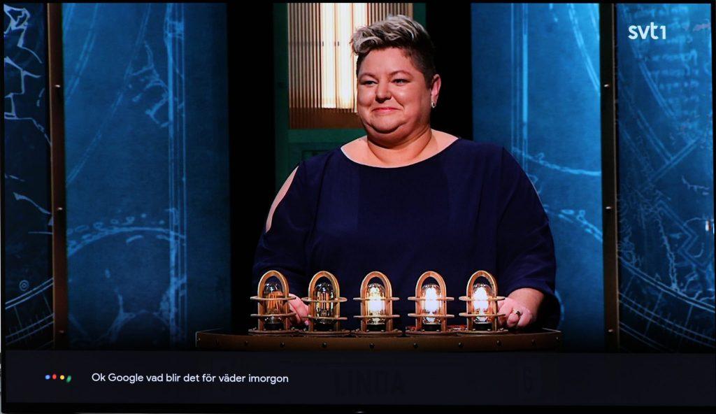 Googles röststyrda hemassistent bor även i Sony Bravia AF9 och du kan snacka med henne via tevens fjärrkontroll – på svenska!