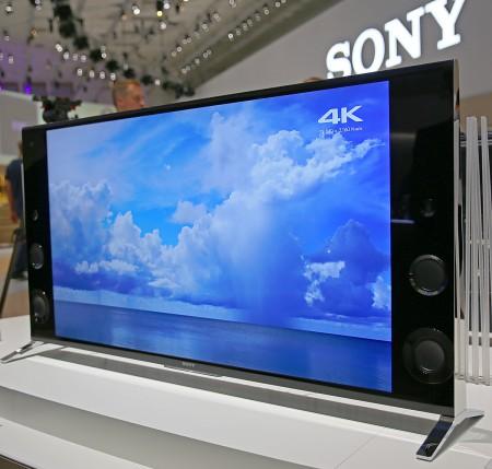 Sony sätter tillbaka riktiga högtalare i tv:n.