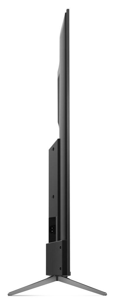 QLED800 är oerhört smärt även i profil, men rymmer elektronik och högtalare i den nedre utstickande delen på baksidan.