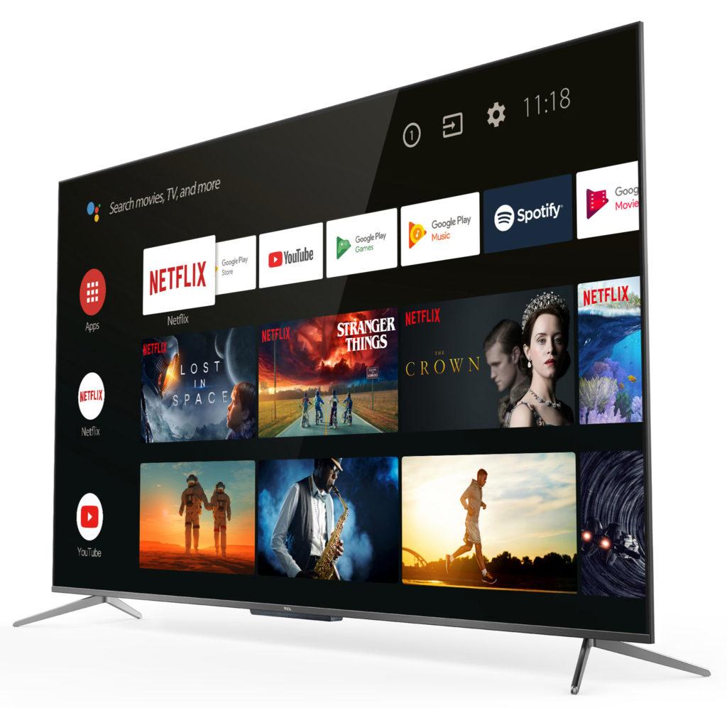 Med Android TV och bra nätverk i TCL 65C815 är det inga problem att kolla på strömmande underhållning direkt. TCL-tv:n kan även röststyras via Google Assistant som är inbyggd.