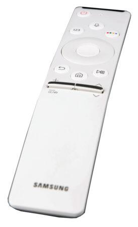 Samsungs fjärr är smartare än den ser ut, men inte riktigt lika enkel och lättfattlig som Epsons.