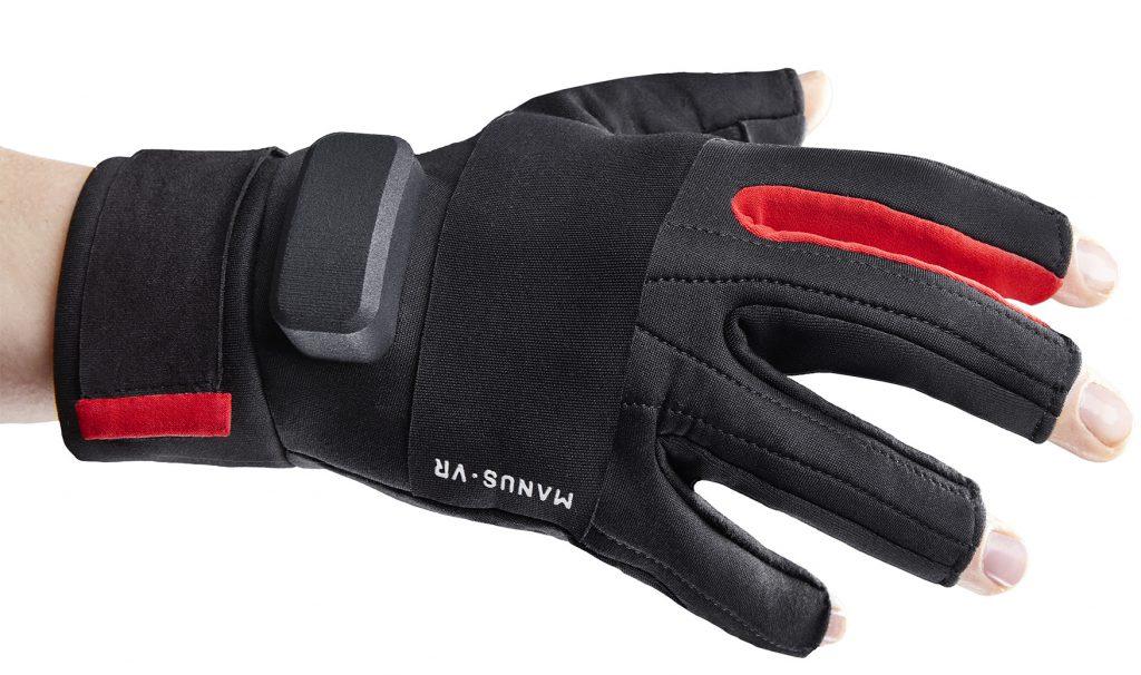 För mer interaktion finns även handskar där man kan interagera med varje enskilt finger och kameror som spårar exempelvis fingrarnas rörelser på ett skrivbord.
