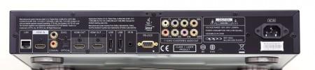 Den största skillnaden mellan bra och billiga Blu-ray-spelare är dess möjligheter till ljudåtergivning. Ska du bara leverera bild och ljud till en bioförstärkare via hdmi kan en billig Blu-ray göra ett lika bra jobb.  Bättre Blu-ray-spelare som Oppo BDP-103EU är snarare ett föredöme i mer avancerade miljöer där man vill kunna leverera hd-bild och hd-ljud separat till flera olika typer av uppspelare.  Med sina dubbla hdmi-utgångar där du även kan välja att separera ljud och bild kan Oppon skicka ren bildsignal till en projektor i den ena utgången och ljud utan bild i den andra till en förstärkare. Samtidigt med bibehållen synk. Notera även de dubbla digitala ljudutgångarna (coaxial, optical) samt de åtta analoga ljudutgångarna som också kan leverera hd-ljud. Via dessa kan du spela upp flerkanaliga musikinspelningar till en bättre musikanläggning eller leverera hd-ljud direkt till aktiva högtalare.