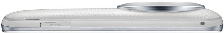 Samsung Galaxy K Zoom är knappt 20 mm bred med infälld lins.