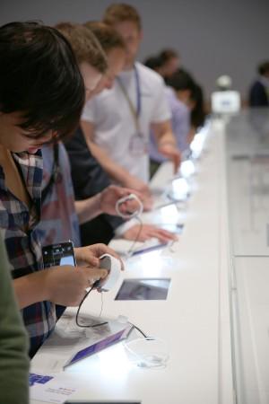 Sonys utställning av smarta klockor.